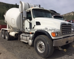2005 London Mixer on a 2005 Mack
