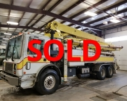 PRICE REDUCED!! 1994 32m Schwing on a 1994 Mack