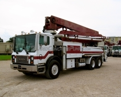 REDUCED PRICE!! 2004 33m on a 2004 Mack