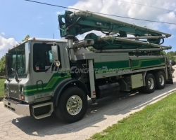 2006 Putzmeister 32m  on a Mack