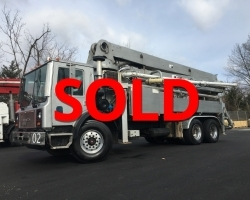 YEAR END BLOW OUT!!! 2004 Schwing 32m on a 2005 Mack