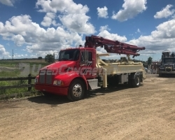 2001 20m Concord on a Kenworth