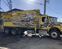 2015 28m Alliance on a Freightliner