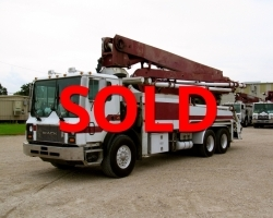 REDUCED PRICE!! 2004 33m Alliance on a Mack
