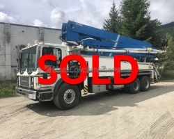 2005 Alliance 37m on a Mack
