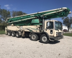 1999 52m Schwing on a 2005 Mack