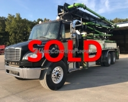 2014 32-5 section Alliance on a 2015 Freightliner