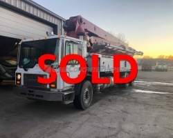 2006 41m Schwing on a Mack MR