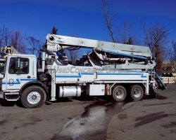 REDUCED PRICE! 2007 31Z Putzmeister on a Mack MR