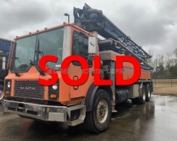 2006 40Z Putzmeister on a Mack MR