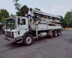 2006 36Z CIFA on a Mack
